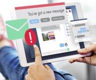 Concepto de la comunicación de la conexión del nuevo mensaje que manda un SMS Imagenes de archivo