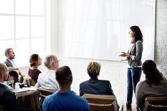 Concepto de la comunicación empresarial de los colegas de la conferencia fotos de archivo