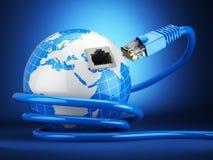 Concepto de la comunicación global de Internet Tierra y cable de Ethernet o Foto de archivo libre de regalías