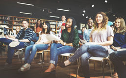Concepto de la conferencia de Study Classmate Classroom del estudiante imagen de archivo libre de regalías