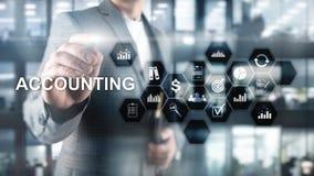 Concepto de la contabilidad, del negocio y de las finanzas en la pantalla virtual imagen de archivo