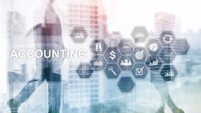 Concepto de la contabilidad, del negocio y de las finanzas en la pantalla virtual foto de archivo