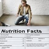 Concepto de la dieta de la consumición de la medicina de la salud de los hechos de la nutrición imágenes de archivo libres de regalías