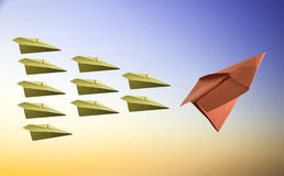 Concepto de la dirección con el avión de papel Imagen de archivo libre de regalías