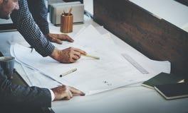 Concepto de la discusión de Design Project Meeting del arquitecto fotografía de archivo