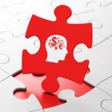 Concepto de la educación: Cabeza con símbolo de las finanzas encendido Fotos de archivo