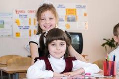 Concepto de la educación - enseñe a los estudiantes en la clase imagen de archivo