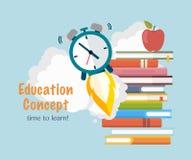Concepto de la educación Libros de la pila con el lanzamiento del reloj Hora de aprender Imagen de archivo libre de regalías