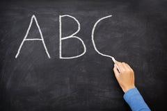 Concepto de la educación - pizarra de la escuela del alfabeto de ABC Fotos de archivo