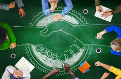 Concepto de la estrategia del planeamiento de la cooperación de la reunión de reflexión de la pizarra Imagen de archivo