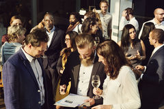 Concepto de la felicidad de las alegrías de la consumición de la reunión de negocios Fotos de archivo libres de regalías
