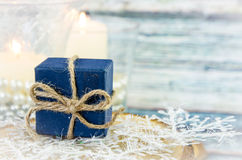 Concepto de la Feliz Navidad con la actual caja Foto de archivo