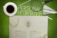 Concepto de la forma de la información personal en verde imágenes de archivo libres de regalías