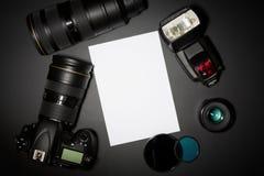 Concepto de la fotografía con el lense y el copyspace de la cámara foto de archivo