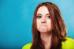 Concepto de la gente - adolescente que hace la cara tonta Imagenes de archivo