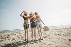 Concepto de la gente del mar de las vacaciones de verano de la playa Fotos de archivo