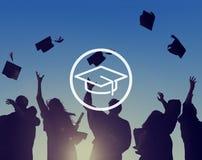 Concepto de la graduación de la sabiduría del conocimiento de la educación del tablero del mortero imagenes de archivo