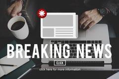 Concepto de la información de la actualización del aviso del hoja informativa de las noticias Fotos de archivo