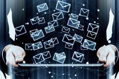 Concepto de la innovación y del márketing del correo electrónico foto de archivo