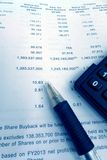 Concepto de la inversión, informe anual de los tenedores de parte Imágenes de archivo libres de regalías
