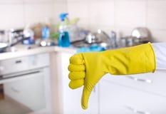 Concepto de la limpieza de la cocina Imagenes de archivo