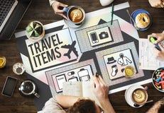 Concepto de la lista de la preparación de los accesorios de los artículos del viaje Foto de archivo