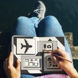 Concepto de la lista de la preparación de los accesorios de los artículos del viaje Imagen de archivo
