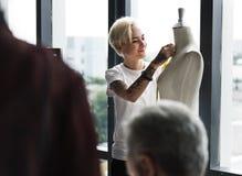 Concepto de la medida del maniquí del diseño de la moda fotografía de archivo