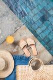 Concepto de la moda de las vacaciones de verano fotos de archivo