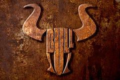 Concepto de la muestra de Bull en fondo del moho del metal Fotografía de archivo