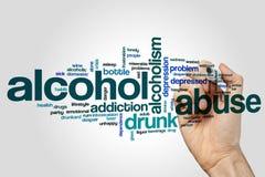 Concepto de la nube de la palabra del abuso de alcohol en fondo gris Imágenes de archivo libres de regalías