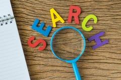 Concepto de la optimización del motor de SEO Search como FIADOR colorido del alfabeto Foto de archivo