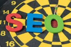 Concepto de la optimización del Search Engine como abbrevia colorido del alfabeto Fotografía de archivo