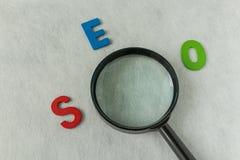 Concepto de la optimización del Search Engine como abreviatura SEO del alfabeto Foto de archivo libre de regalías