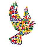 Concepto de la paz con la paloma hecha de banderas del mundo Imagen de archivo libre de regalías