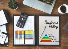 Concepto de la pirámide de la acción de la política de negocio Foto de archivo