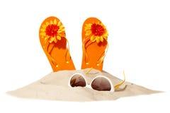 Concepto de la playa con flip-flop Fotos de archivo libres de regalías