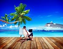 Concepto de la playa del viaje de Holiday Working Business del hombre de negocios Fotografía de archivo