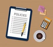 Concepto de la política de las políticas con el documento y la lista de control del tablero Imagen de archivo