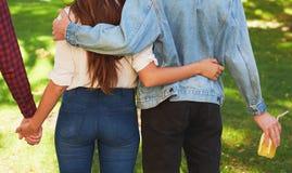 Concepto de la poligamia del adulterio de los celos del amor de la amistad Fotografía de archivo