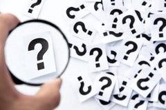 Concepto de la pregunta del hallazgo fotografía de archivo libre de regalías
