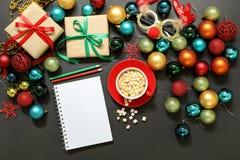 Concepto de la preparación de los días de fiesta del Año Nuevo de la Navidad Foto de archivo libre de regalías