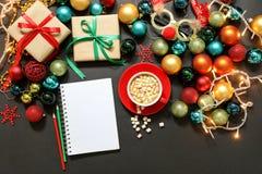 Concepto de la preparación de los días de fiesta del Año Nuevo de la Navidad Imagen de archivo