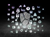 Concepto de la privacidad: Escudo quebrado en sitio oscuro del grunge Fotos de archivo libres de regalías