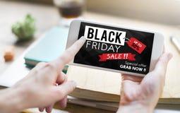 Concepto de la promoción del precio del descuento de Black Friday medio Foto de archivo libre de regalías