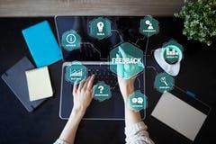 Concepto de la reacción y de la comunicación empresarial Servicio y satisfacción del cliente imagen de archivo