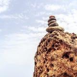 Concepto de la salud de la inspiración de la balanza de las piedras fotos de archivo