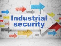 Concepto de la seguridad: flecha con seguridad industrial en fondo de la pared del grunge libre illustration