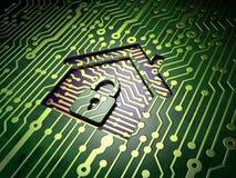 Concepto de la seguridad: placa de circuito con el icono casero