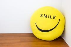 Concepto de la sonrisa y de la felicidad imagenes de archivo